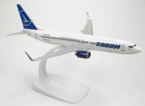 macheta avion tarom 737